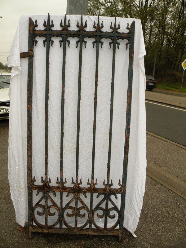 Porte portail classique 19 me beau travail de forge for Largeur porte classique