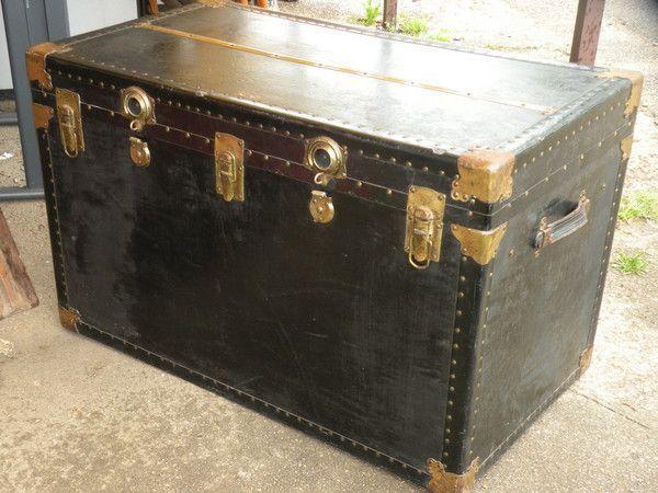 ancienne grande malle plate 1900. Black Bedroom Furniture Sets. Home Design Ideas