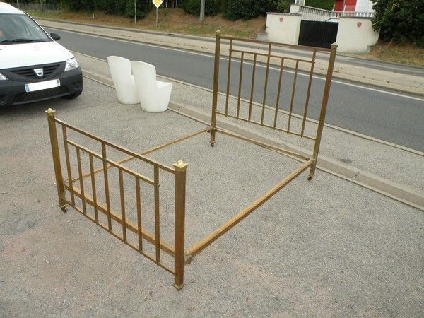 lit ancien en laiton 140x190cm. Black Bedroom Furniture Sets. Home Design Ideas