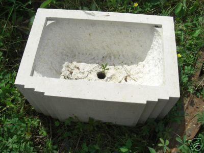 ancien bac pot a fleurs sculpt en pierre style artdeco centerblog. Black Bedroom Furniture Sets. Home Design Ideas